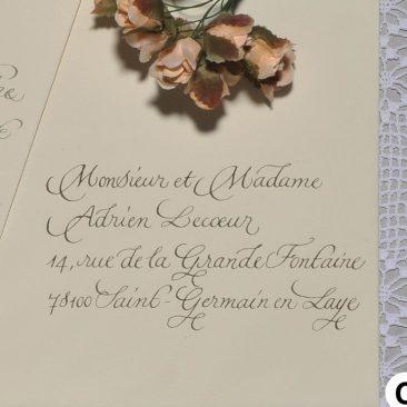 Enveloppe calligraphiée en scripte